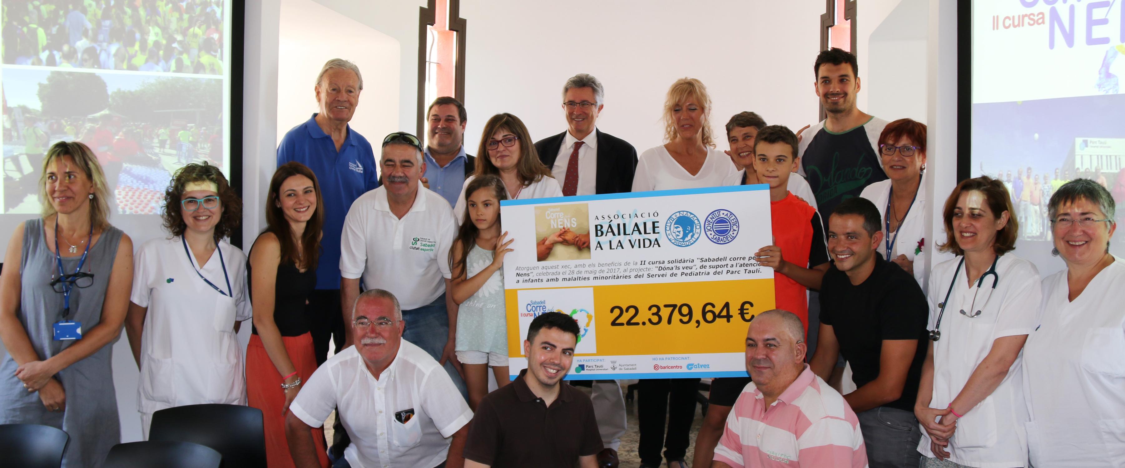 """La cursa solidària """"Sabadell Corre pels Nens"""" destina 22.380 € a benefici dels infants amb malalties minoritàries del Parc Taulí"""