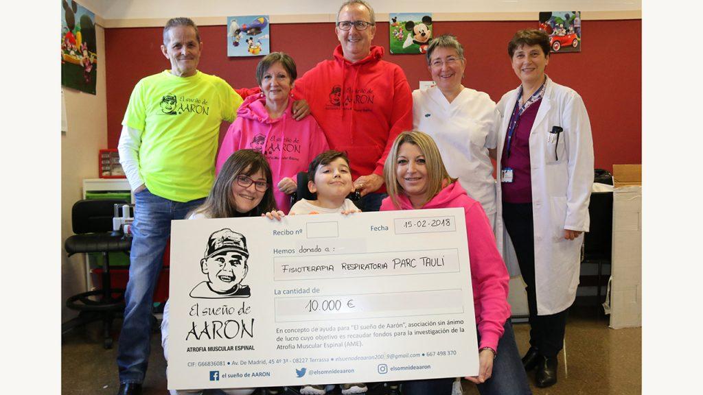 L'associació 'El sueño de Aaron' fa una donació de 15.000 € a Pediatria del Parc Taulí