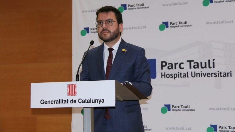 Pere Aragonès durant la compareixença a l'Auditori del Parc Taulí