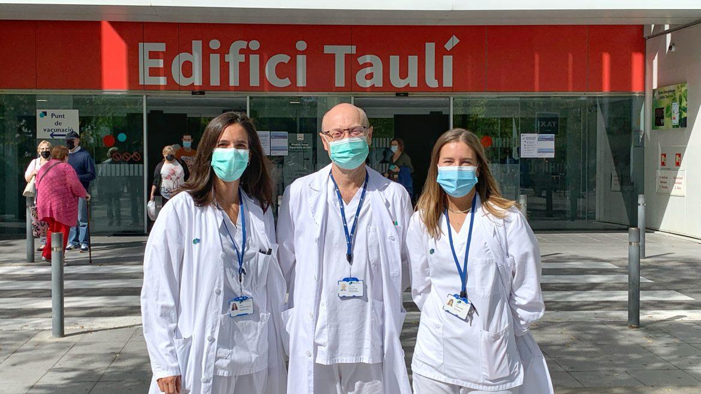 Al Parc Taulí, l'estudi ha estat liderat pel Dr. Joan Carles Ferreres, del Servei d'Anatomia Patològica, per la Dra. Marina Alguacil (a l'esquerra), de Laboratori, i per la Dra. Anna Moreno (a la dreta), del Servei d'Obstetrícia.
