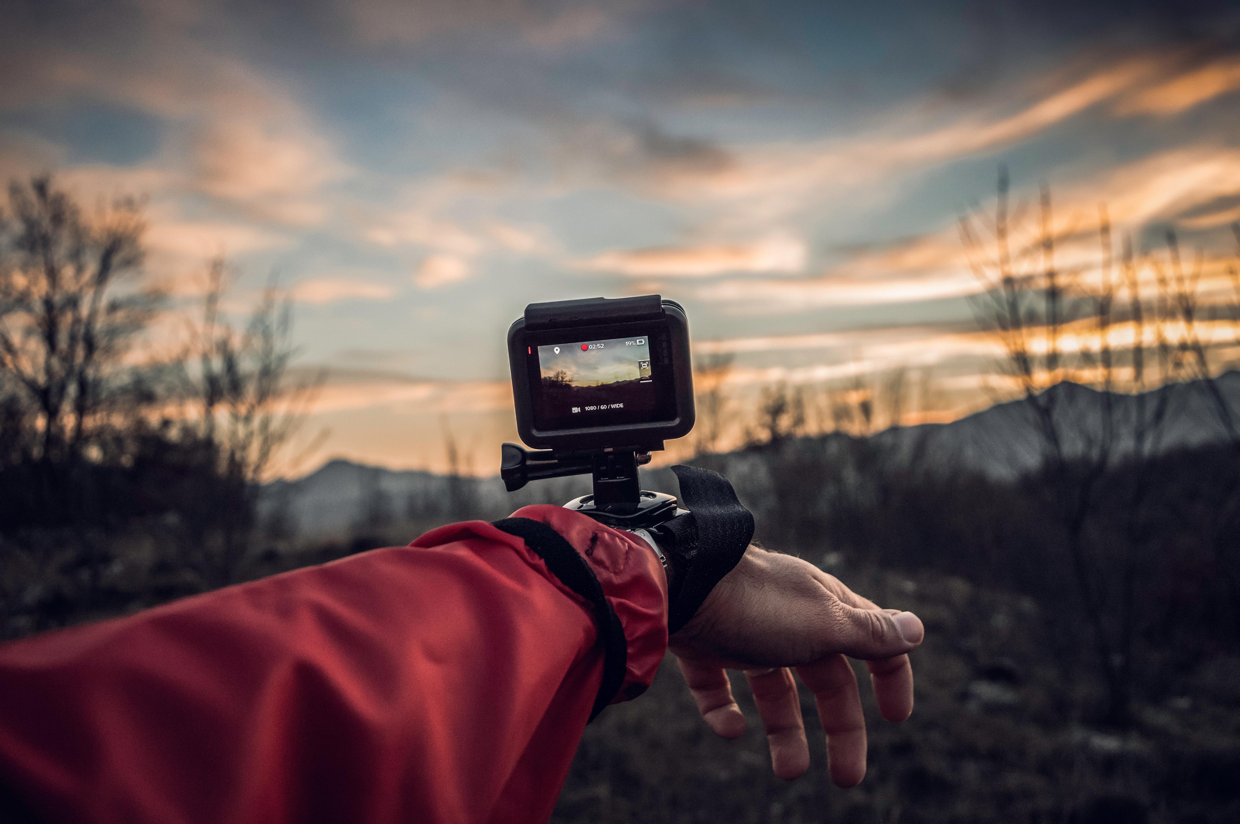 Tens entre 13 i 25 anys i t'agrada la fotografia? Participa al concurs d'Instagram de Mind-u 'La Salut Mental en Positiu' i guanya una GoProHero 7!